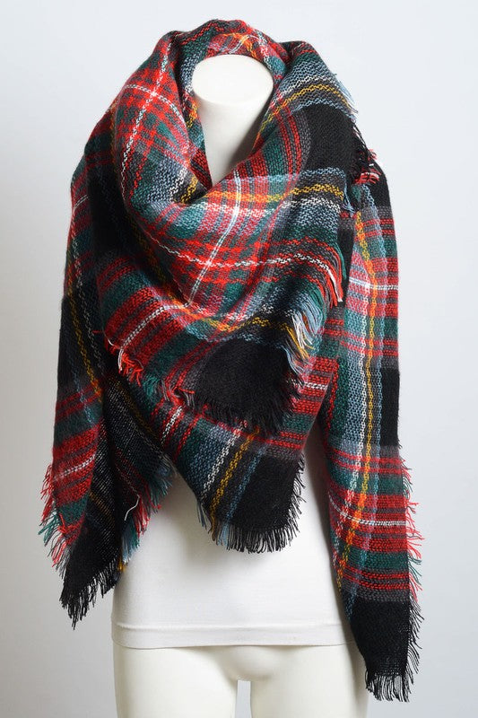 Classic plaid blanket scarf in white/black, red/green & black/green/red