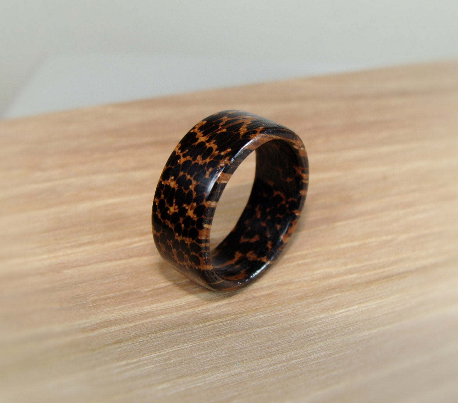 Black Palm Solid Wood Ring - Art and Soule
