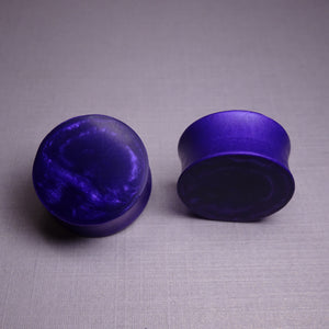 Violet Pearl Resin Double Flared Ear Plugs or Tunnels or Teardrops - Ear Gauges - Art and Soule