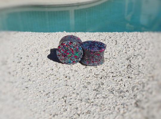 Silver Dark Pink Holographic Glitter Resin Double Flared Ear Plugs or Tunnels or Teardrops - Ear Gauges - Art and Soule
