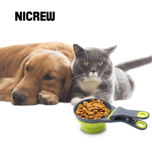 Portable Collapsible Pet Food Cup/Bowl with convenient Clip for Pet Food Bags