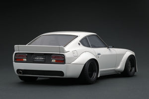 IG1361  Nissan Fairlady Z (S30) STAR ROAD  White