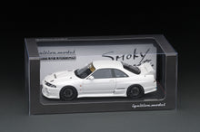 IG online shop limited!  IG1924 1/18 Top Secret GT-R (BCNR33)  White With Mr. Smokey Nagata