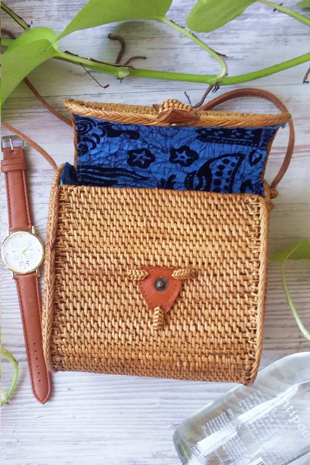 Natural cane square barrel bag