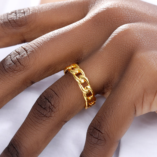 Everyday stackable thin Chain Band Ring for women in gold color (Free shipping) | Simply Bo