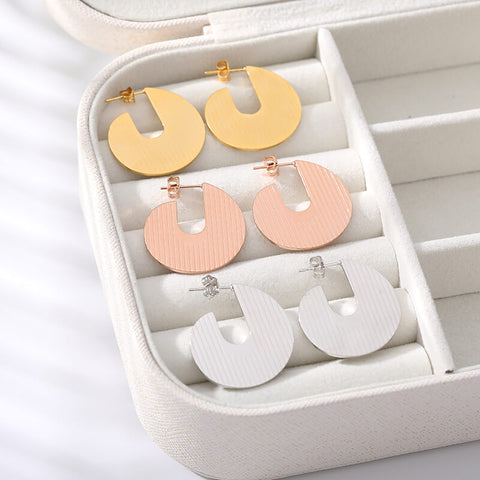 Round C Shape Earrings jewelry for women in gold rose gold and silver Free shipping - Simply Bo