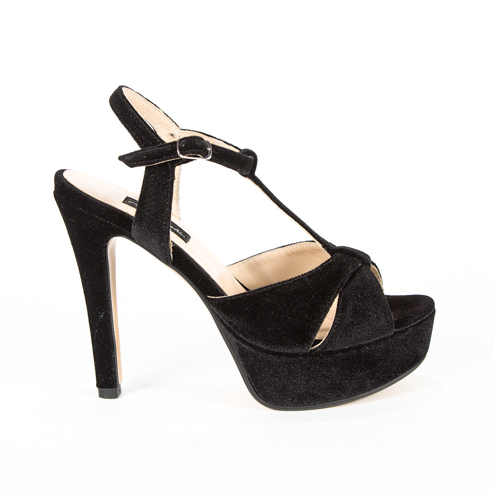 Sandale din piele naturala Love in Black