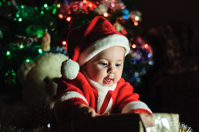8 Adorable Ideas for Baby Holiday Outfits This Year