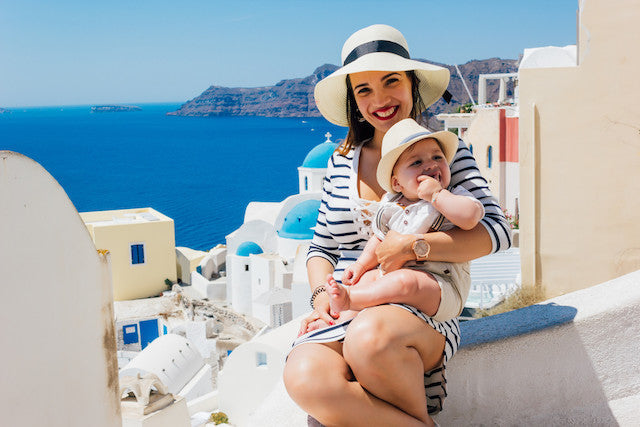 Essential Items to Include in Your Baby Travel Kit