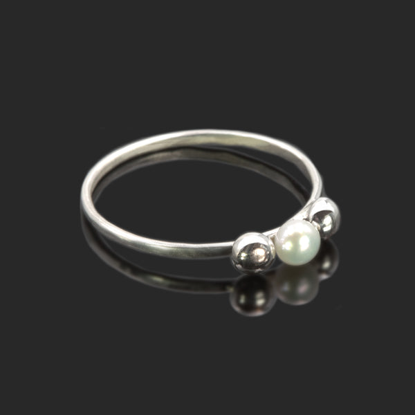 Sterling silver Celestial ring with freshwater pearls by Rouaida.