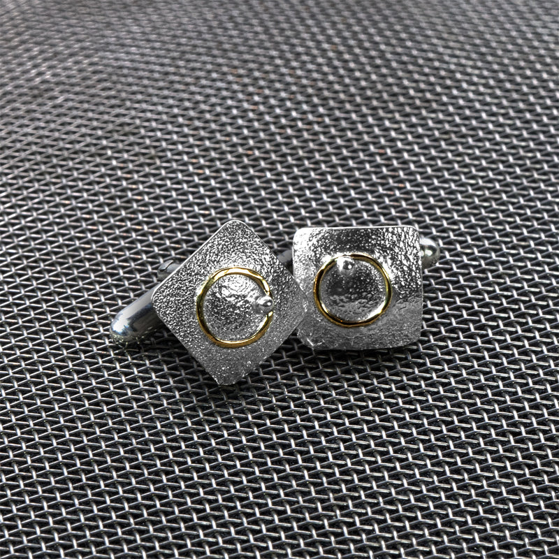Electron cufflinks by Rouaida.