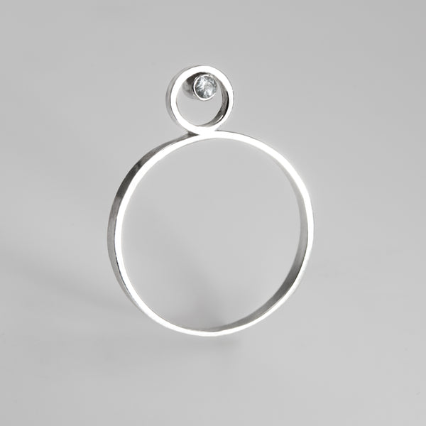 Juno ring in sterling silver with topaz from Rouaida.