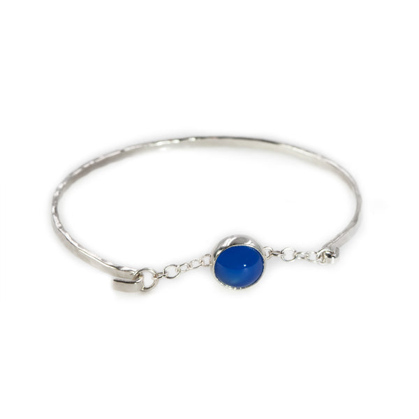 Melody bangle with blue agate stone by Rouaida.