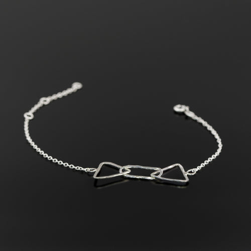 Sterling silver Quantum chain bracelet by Rouaida.