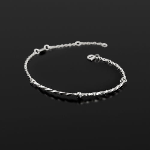Sterling silver Twisted Sister chain bracelet by Rouaida.