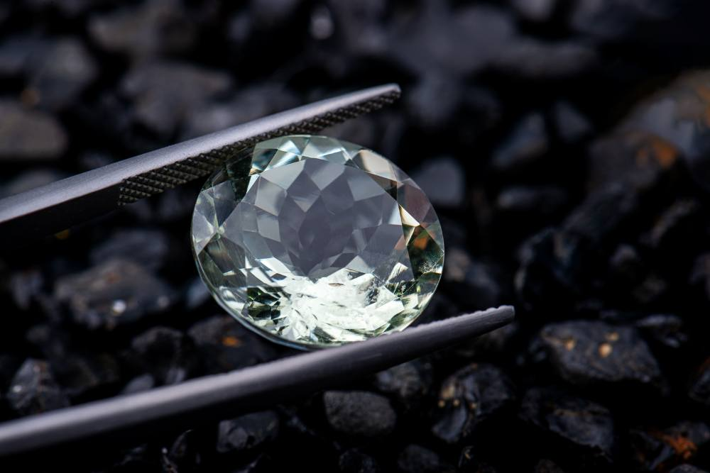 Elongated oval engagement ring