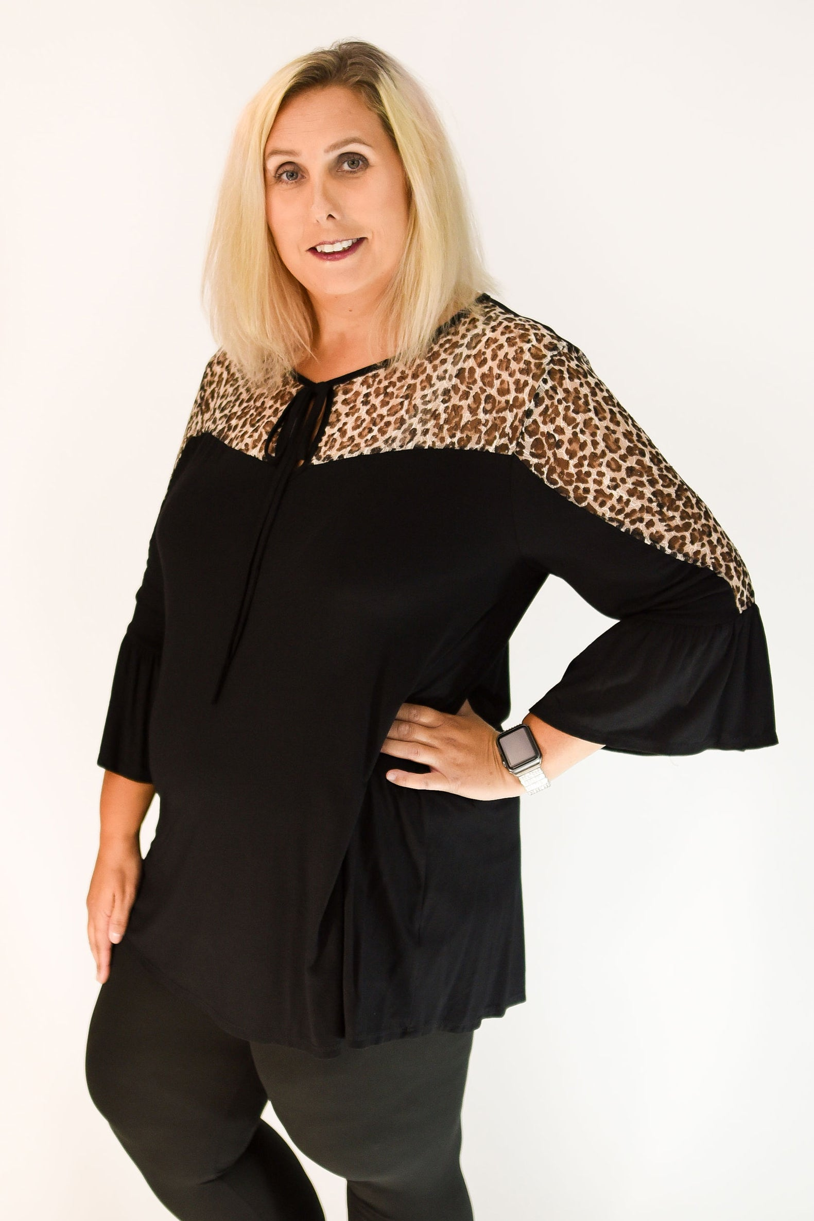 97c6b0e53c9 Loose Fit Black   Animal Print Curvy Top with Bell Sleeves
