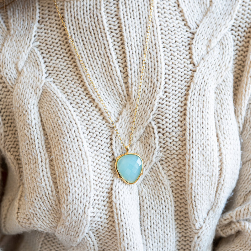 Bellina Caetano | Blue Agate Pendant Necklace | Lady Shape