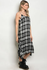 BLACK WHITE CHECKERED DRESS D5302