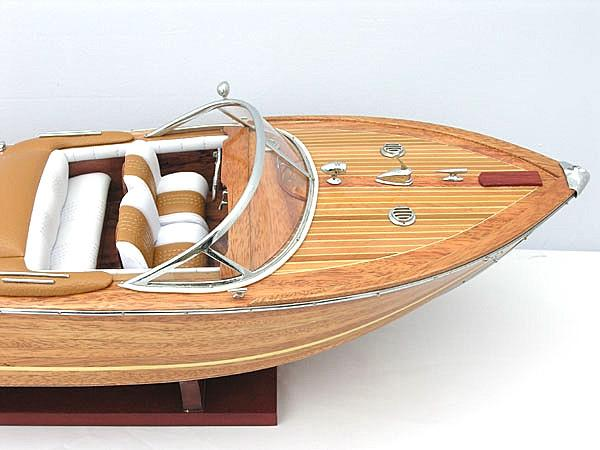 Riva Aquarama Medium B085