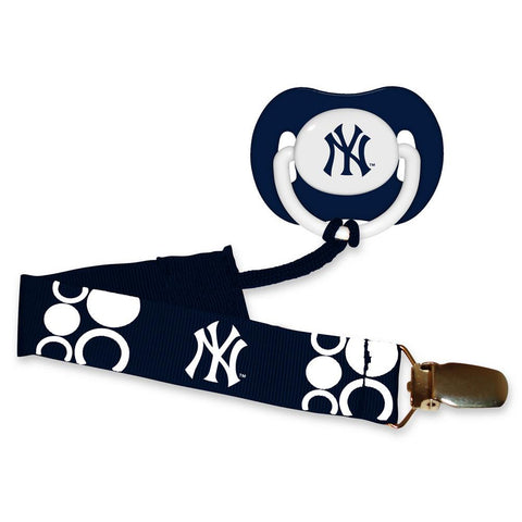 Pacifier With Clip - New York Yankees - Peazz.com