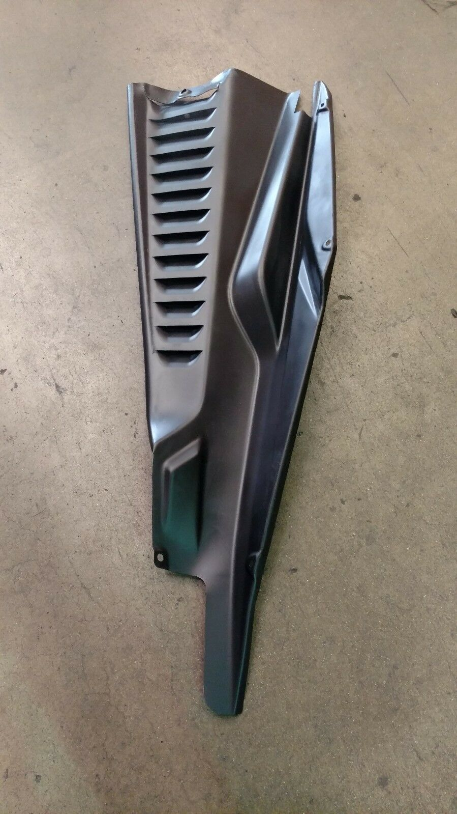 FERRARI 458 ITALIA REAR LEFT DRIVER SIDE ENGINE BAY COVER PANEL OEM 82904900