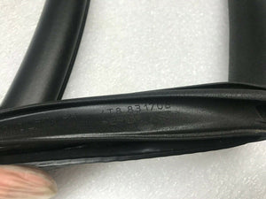 LAMBORGHINI HURACAN LP610 RIGHT PASSENGER RH DOOR SEAL MOULDING OEM 4T8831708B