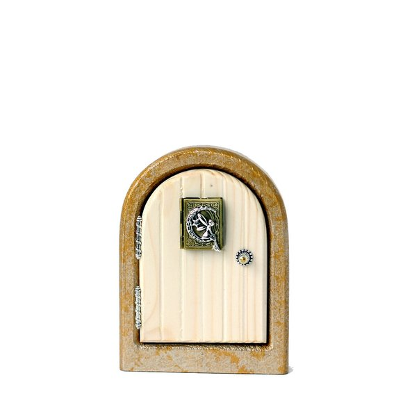Fairy Door - Storybook With Opening Locket (Ivory)