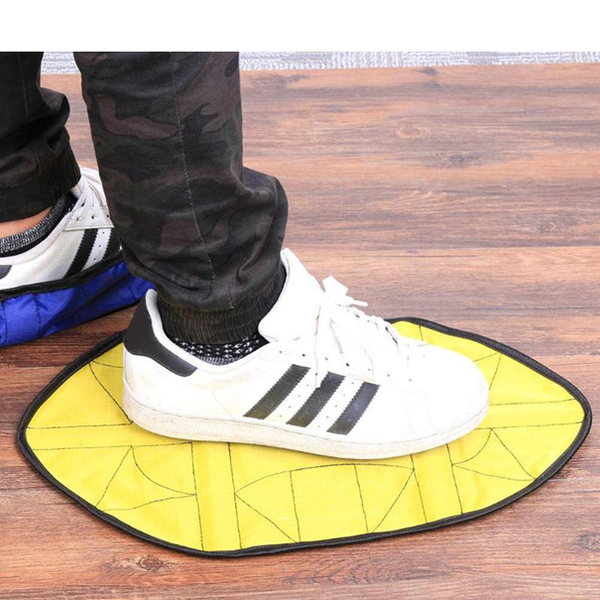 Hand free shoe cover