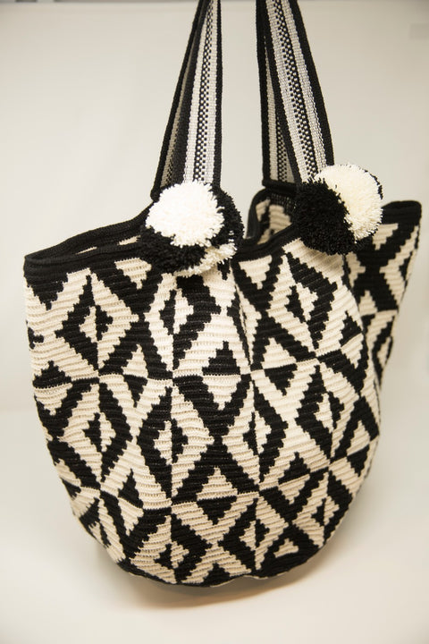 WAYUU SHOULDER BAG