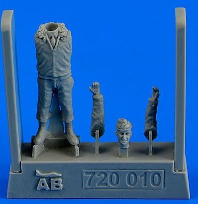 Aerobonus Details 1/72 USAF Fighter Pilot Korean War 1950-53 (Standing) Kit
