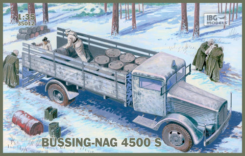 IBG Military 1/35  WWII Einheits Diesel German Truck w/3,7cm Breda Gun Kit
