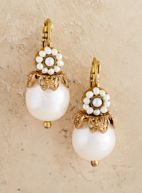 Palazzo Pearl Earrings