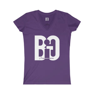 Jr. Queen Think BiG V-neck Tee
