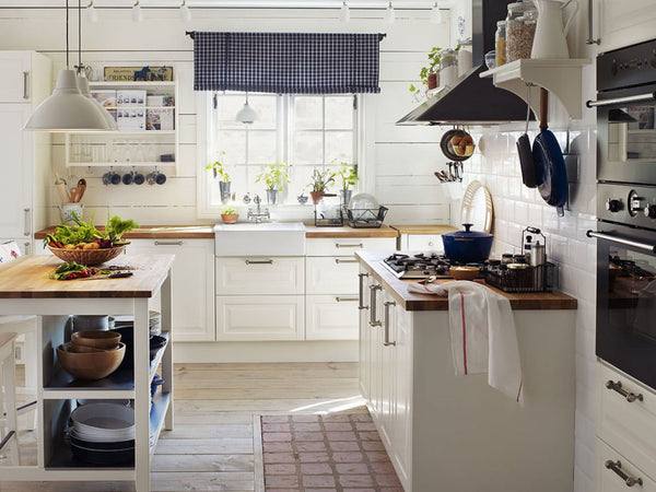 Back to Basics - 25 Dreamy Kitchens with White Cabinets