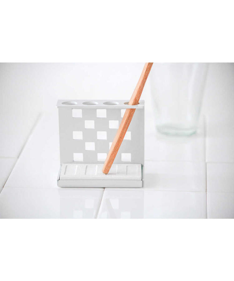Diatomaceous Earth Toothbrush Stand