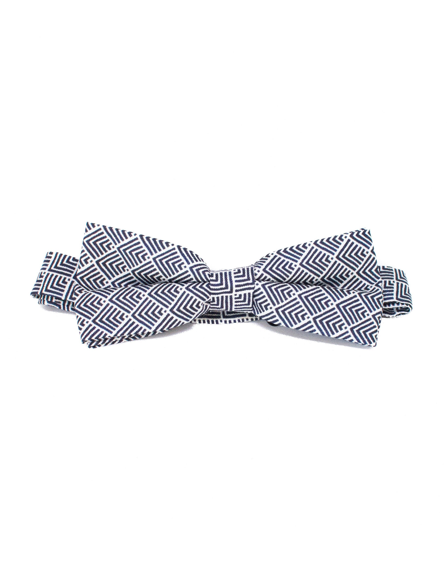 Tribal black and white print bowtie