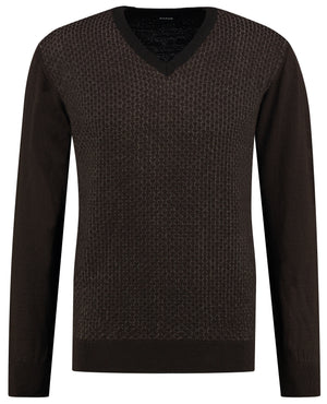 Front perspective of classic fit v-neck camel long sleeve pullover sweater knitwear for men