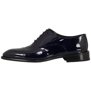 Side perspective for dark blue shiny shoes with lace