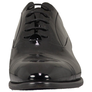 Front perspective for black shiny shoes with lace