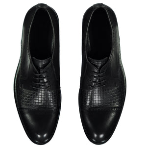 Top perspective for dark gray shiny shoes with lace