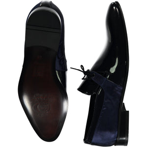Bottom perspective for dark blue shiny shoes with lace