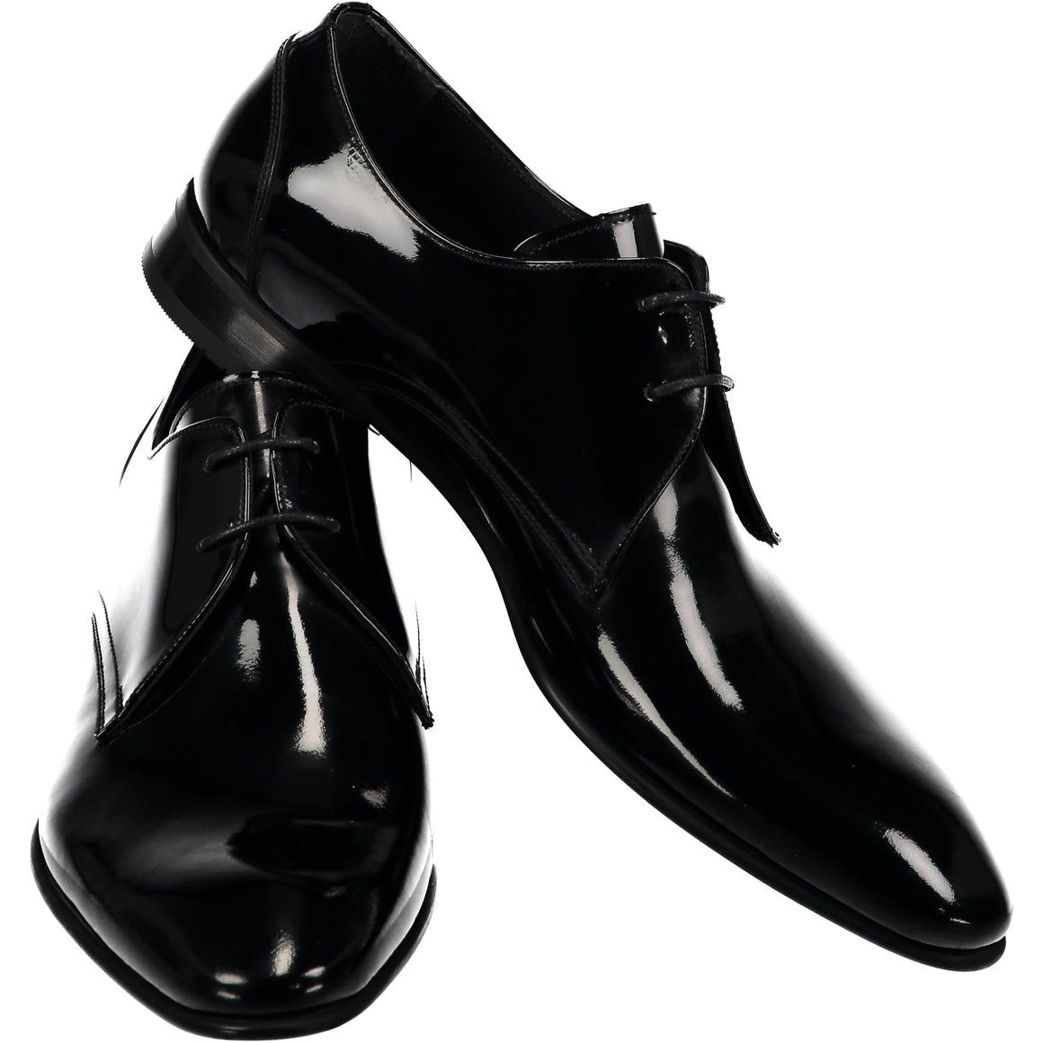 Black shiny shoes with lace
