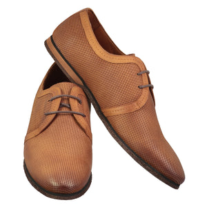 Light brown shiny shoes with lace