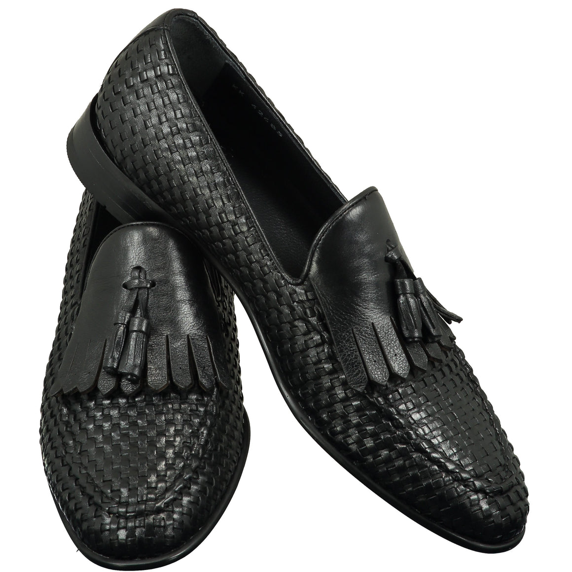 Top perspective for black shiny shoes with lace