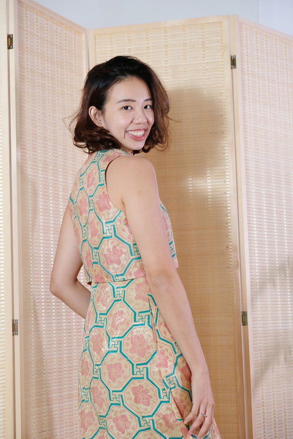 Kaili Batik Cheongsam Dress - Peach Vanda