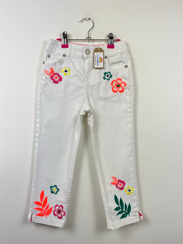 Embroidered Flowers White Denim Capri Pants (8 Years)