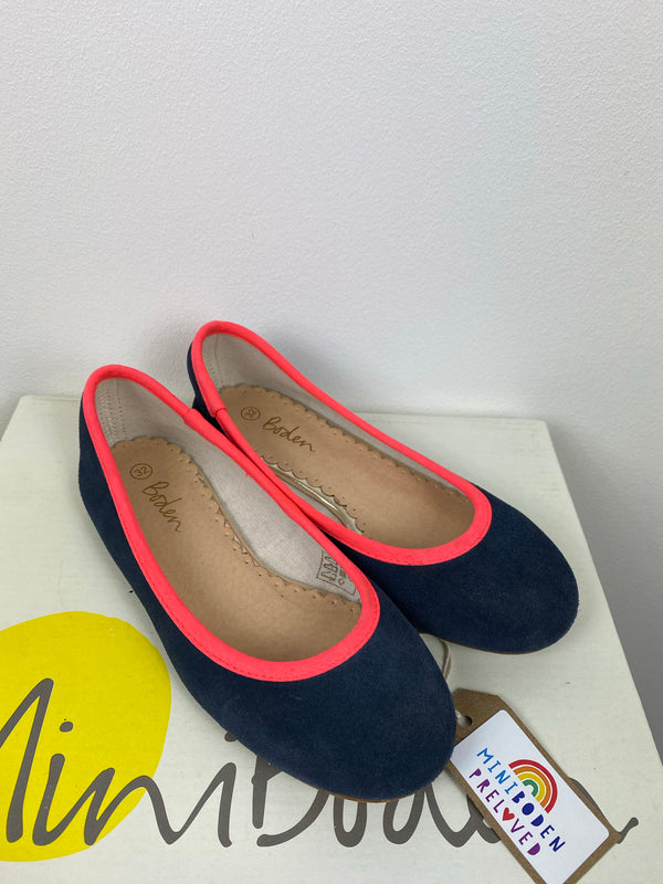 Navy Pumps With Neon Trim (Size 32/UK)
