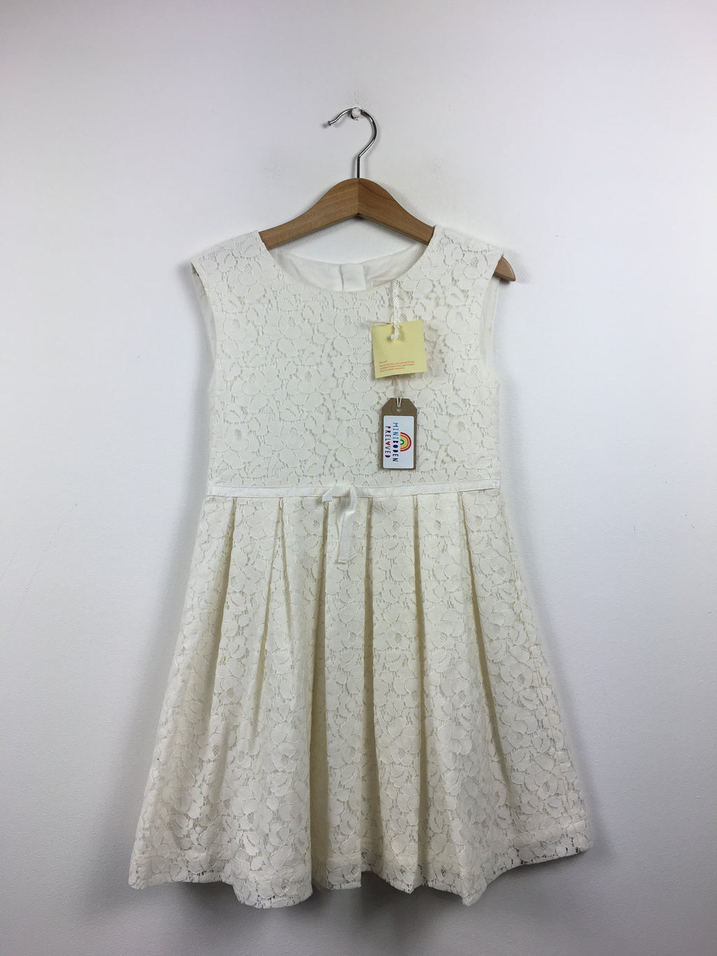 NEW Beautiful White Lace Party Dress (5-6 Years)