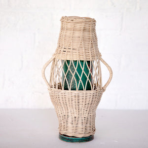 VASE EN TERRE CUITE ET ROTIN / TERRACOTTA AND BRAIDED RATTAN VASE